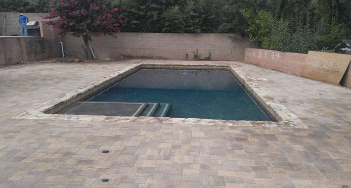 Angelus Couryard Sand Stone Mocha Pool Deck
