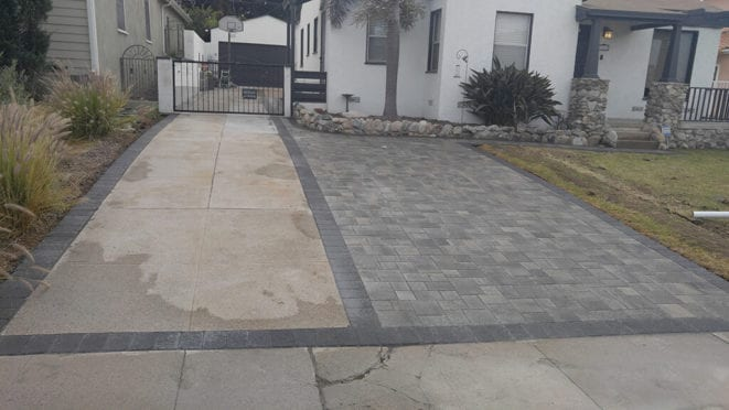 Angelus  Gray Charcoal Driveway with Charcoal Border
