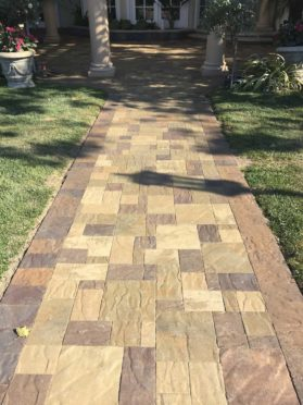 Belgard Avalan Toscana and Montecito Mix Walkway