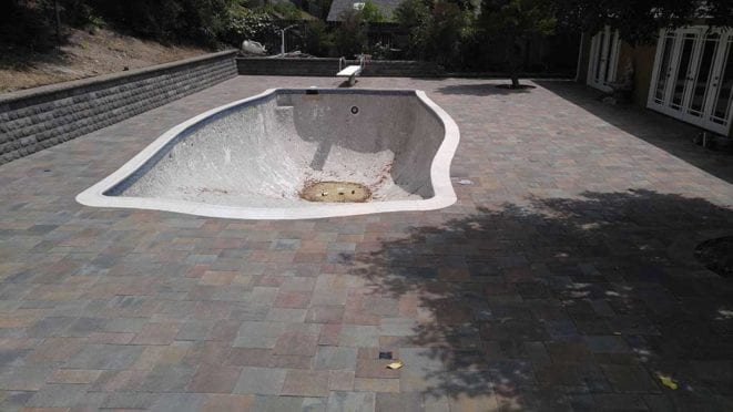 Belgard Catalina Grand Mix with Bella and Victorian Pool Deck