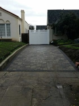 Courtyard Pavers with Charcoal Border