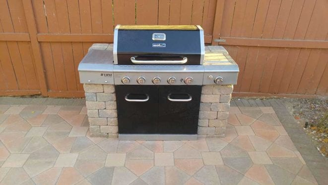 Custom Built BBQ, Angelus Bishop Hat pavers, cream terracotta brown color