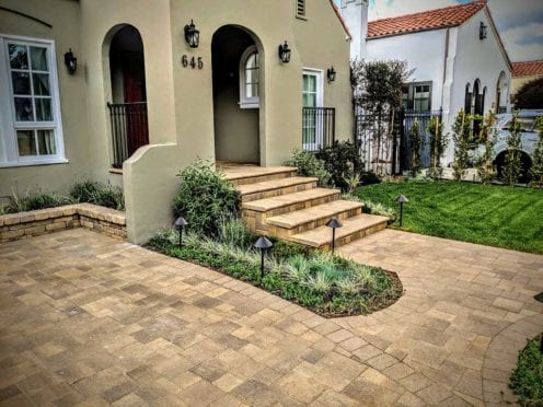 Steps and Driveway in Angelus Sand Stone Mocha Pavers