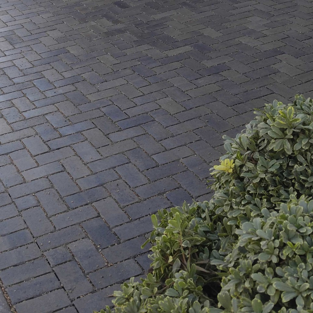 Angelus Holland Permeable Pavers